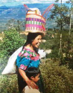 Frau im Hochland von Guatemala
